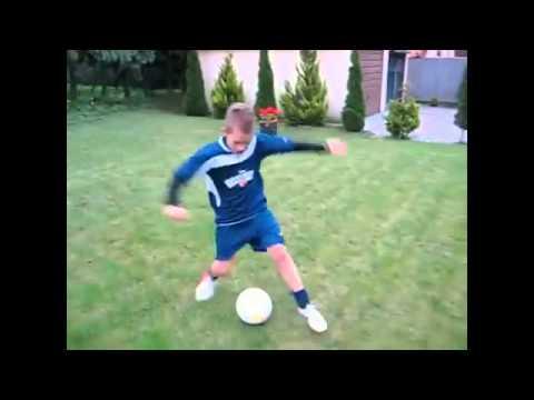 Yetenekli Çocuk-Profesyonel futbol haraketleri