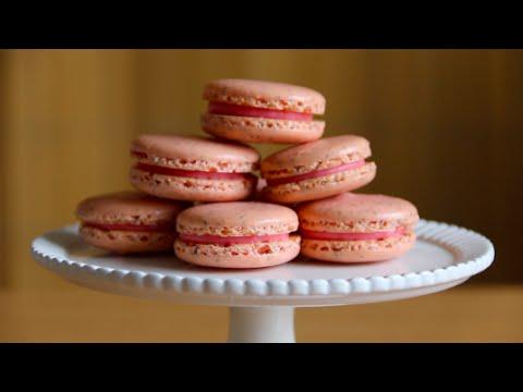 Sakura Cherry Blossom Macaron w. Strawberry Cheesecake Filling (By BlanchTurnip)