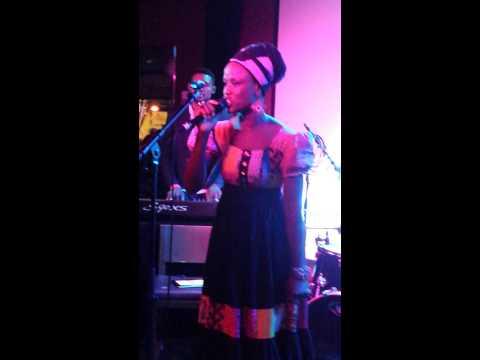 Sola Allyson Live in London 02 Concert