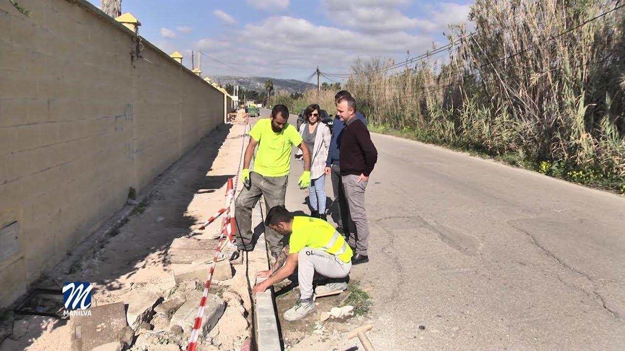 Obras en los acerados de la carretera del Río Manilva