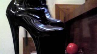 Cake&Tomato Crush Platform Boots On Stairway