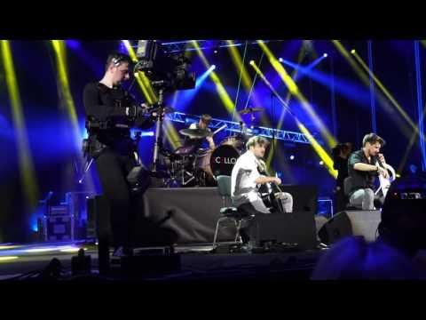 2CELLOS We Found Love Verona (live)