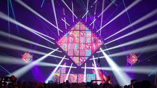 Bassnectar playing NOISE into depone cellular structure