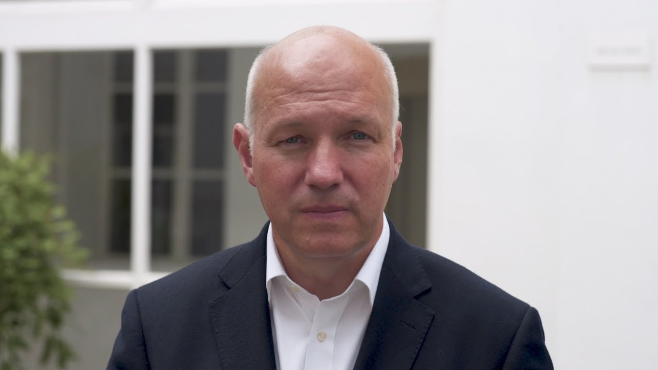 Pavel Fischer se zastává novinářů