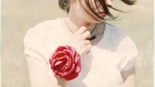 Video Simona Martausová - V pouličných kaviarňach