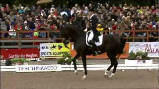 Totilas - Deutsche Meisterschaft Balve 2011 - YouTube