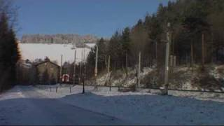 preview picture of video 'Winterlich Atmosphäre Semmering Bahn'