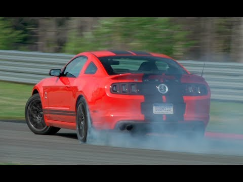 Ford Shelby GT500 vs Chevrolet Camaro ZL1