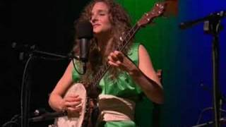 "Abigail Washburn ""Great Big Wall In China (live)"""