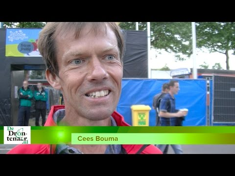 VIDEO | Cees Bouma eet 15 frikandellen en loopt 100 marathons