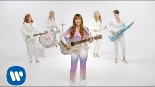 "Apparition de Brie dans le clip ""Just one of the guys"" de Jenny Lewis"
