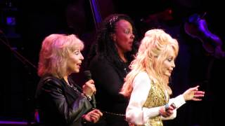 "Dolly Parton ""Don't think twice"" Live in Melbourne"
