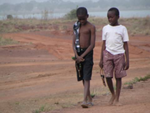 """Film en langue Ewe, English captions : Orphelins """"entre nos mains"""" (Global Dialogues)"""