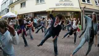 preview picture of video 'Weinheim Galerie: TSG FlashMob Energy Dance im Juli 2012'