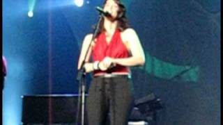 Alanis Morissette - Front Row (Live at the Roseland Ballroom, New York, NY, 11/18/05)