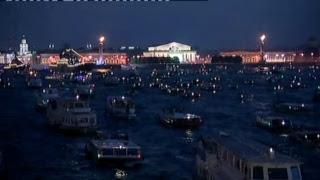 Праздничный салют в Санкт-Петербурге в честь Дня ВМФ