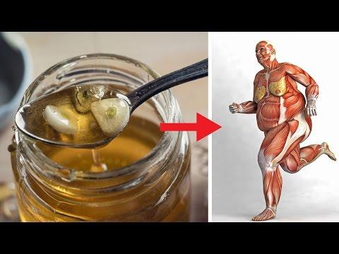 Das passiert, wenn du 7 Tage lang Knoblauch und Honig auf nüchternen Magen isst