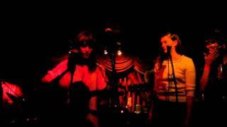 "Feist ""Graveyard"" audience sing along at Del Monte Townhouse Secret Show"