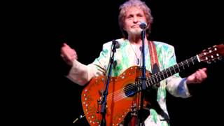 """Jon Anderson recount's his first meeting with Vangelis and sings """"I'll find my way Home""""."""
