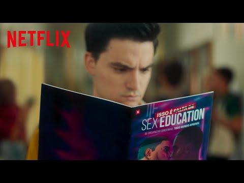 Felipe Neto em vídeo de divulgação da série 'Sex Education'