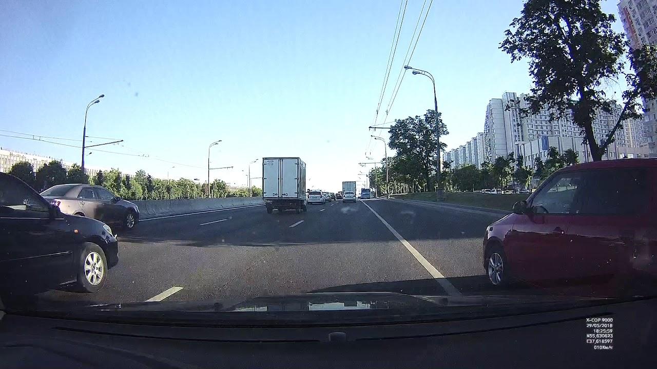 Горе-учитель устроил ДТП на Варшавском шоссе
