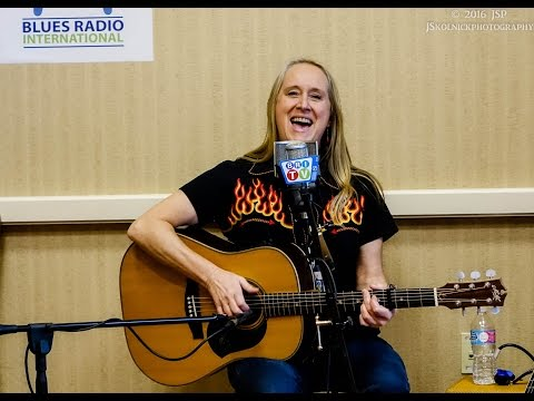 """Love Changing Blues"" Fiona Boyes Live on BRI TV"