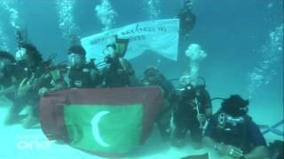 Maldives National Anthem underwater