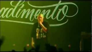 Fabri Fibra- Coccole (live alcatraz 2006)