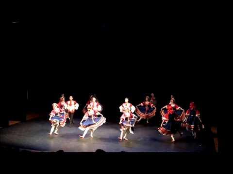 Una Fascinante Danza Tradicional Rusa De La República De Bashkortostán
