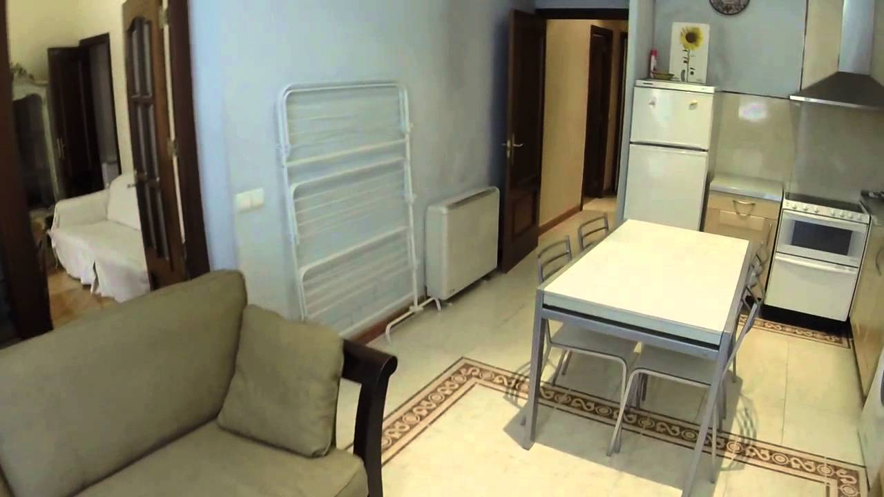 Renovated two bedroom flat with AC in the heart of Madrid