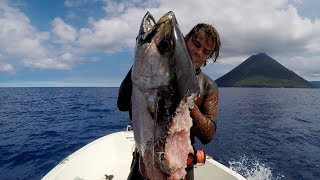 My first time spearfishing for DOGTOOTH TUNA !