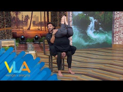 ¡INCREÍBLE POSTURA! Geny nos SORPRENDIÓ a todos en nuestra sesión de yoga.