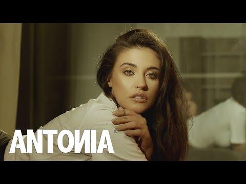 Antonia – Hotel lounge Video