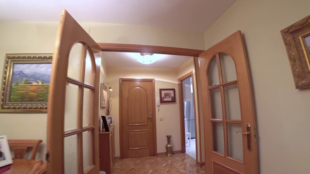 Single Bed in Room for rent in furnished 4-bedroom apartment in Moratalaz