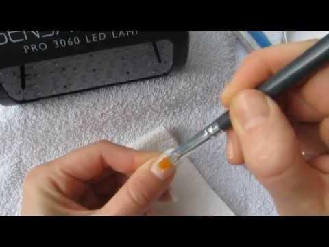 Gelnägel mit Nagelspitzen