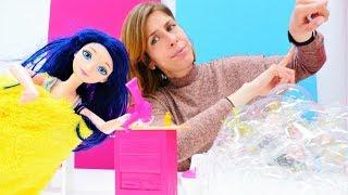 Marinette y su baño relajante. Muñecas de LadyBug. Vídeo para niñas