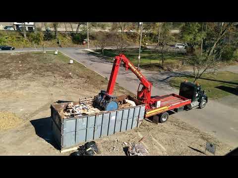 , title : 'Dumpster compactor. Smash my trash!