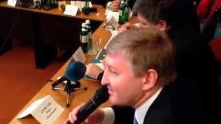 Sputnikipogrom.com: Ахметов категорически против насилия