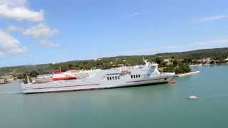preview picture of video 'Ferry Tenacia Saliendo del puerto de Mahon'