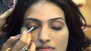 Image for video on Nude Look - Light Makeup You Can Wear to Office - by Simmi Ghai by Beauty Mantra