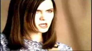 Juliana Hatfield: Hotels (Video)