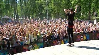 В Кремлевском парке прошел открытый музыкальный фестиваль красок Холи