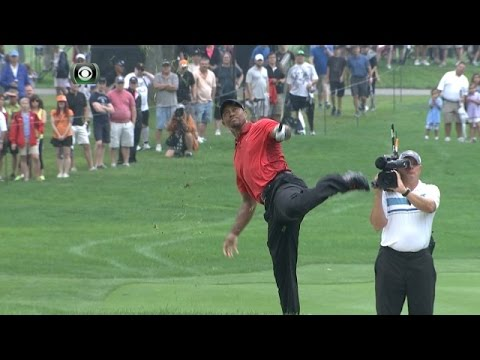 Tiger Woods injures his back on No. 2 at Bridgestone