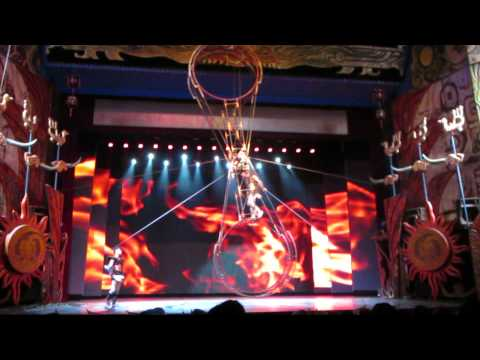 Acrobatic Show - The Chaoyang Theatre, Beijing - Pendulum