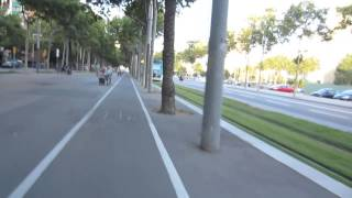 preview picture of video 'Rutas en Bicicleta por Barcelona: Carril Bici de la Diagonal'