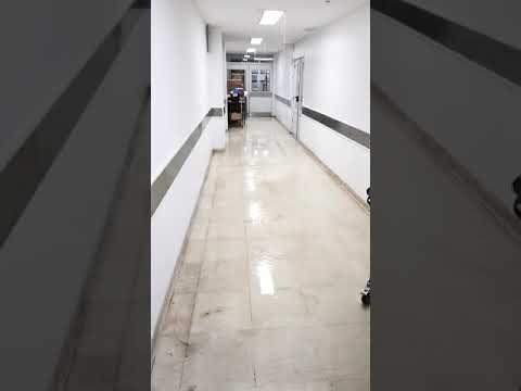 Videos. Se inunda esta noche el sector de quirófanos del hospital de Niños por una avería en la red de agua