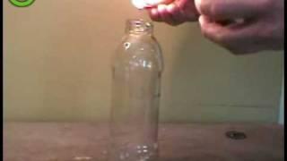 техно пятница на канале дискавери, как засунуть яйцо в бутылку и не разбить его??
