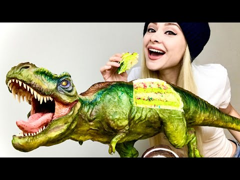 Awesome Dinosaur Cake Looks too Good to Eat