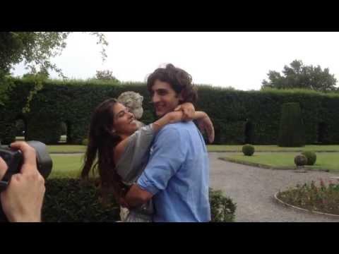 Baci a Villa Panza tra Lorenzo Gergati e la bella Ariadna Romero