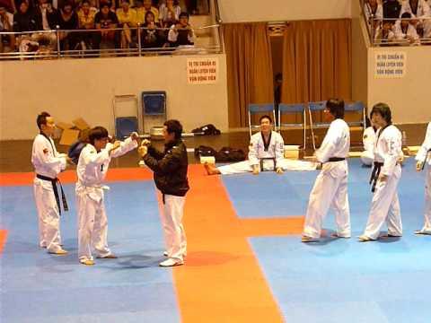 Quyền cước của taekwondo ! Anh đai trắng thật bá đạo